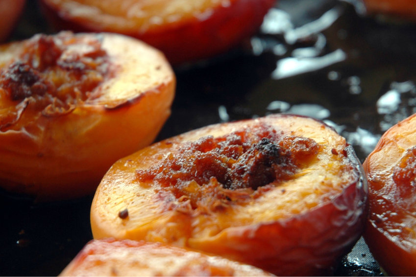 Oven baked peaches
