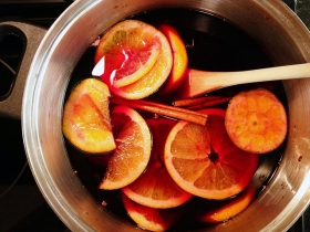 Mulled wine. Photo from Jess, Creative Commons